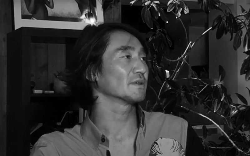 "<span class=""up-title"">KENTARO SHIHAKU</span><span class=""mid-title"">パンテオンとクリエイティビティ</span>"